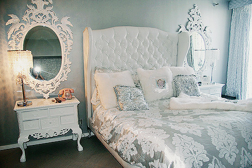 Silver And White Bedroom Decor IdeasDecor Ideas