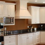 Сustom White Kitchen Cabinets