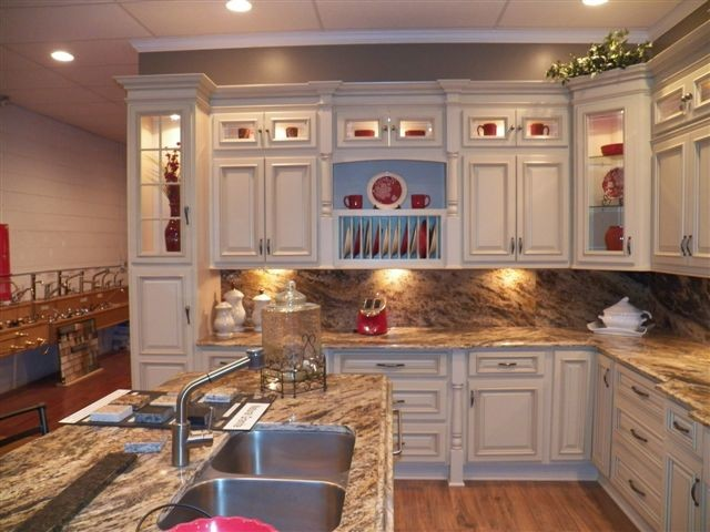 Cheap white kitchen cabinets lowes decor ideasdecor ideas for Cheap white cabinets sale
