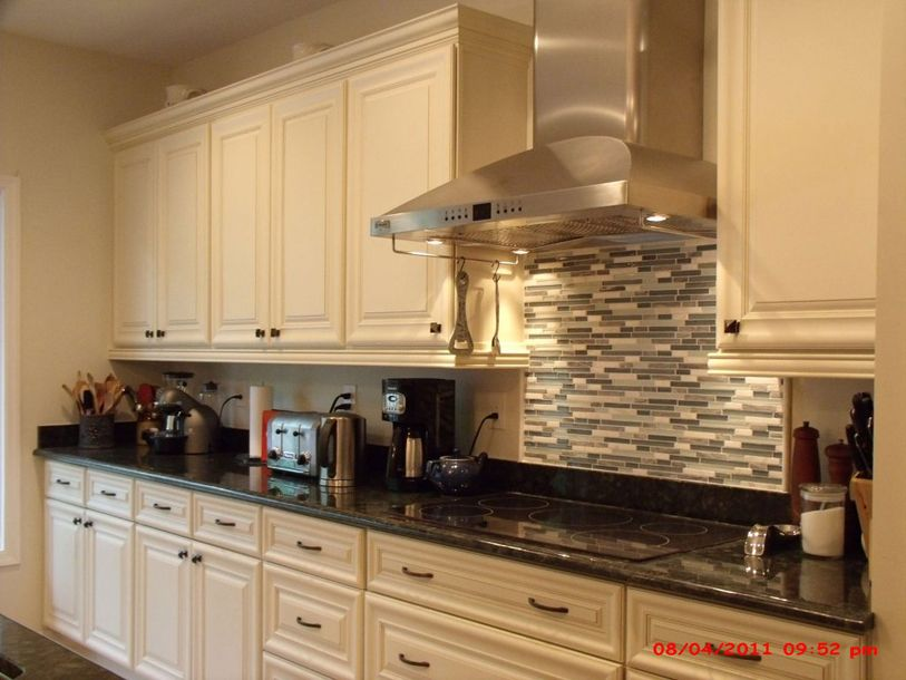 Painting kitchen cabinets cream decor ideasdecor ideas - How to glaze kitchen cabinets cream ...
