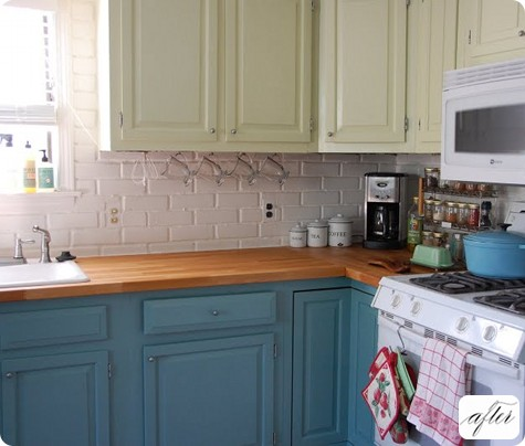 Two color kitchen cabinets pictures images for Two colour kitchen units