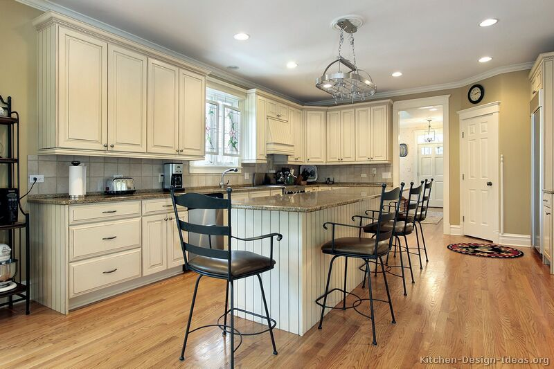 Pictures of country kitchens with white cabinets decor for Country white kitchen ideas