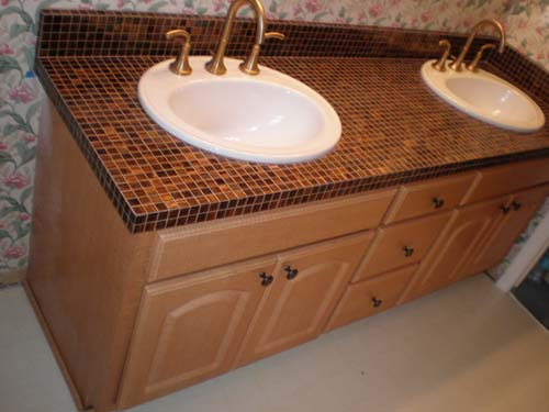 Bathroom countertop tile ideas decor ideasdecor ideas for Tile countertops bathroom ideas