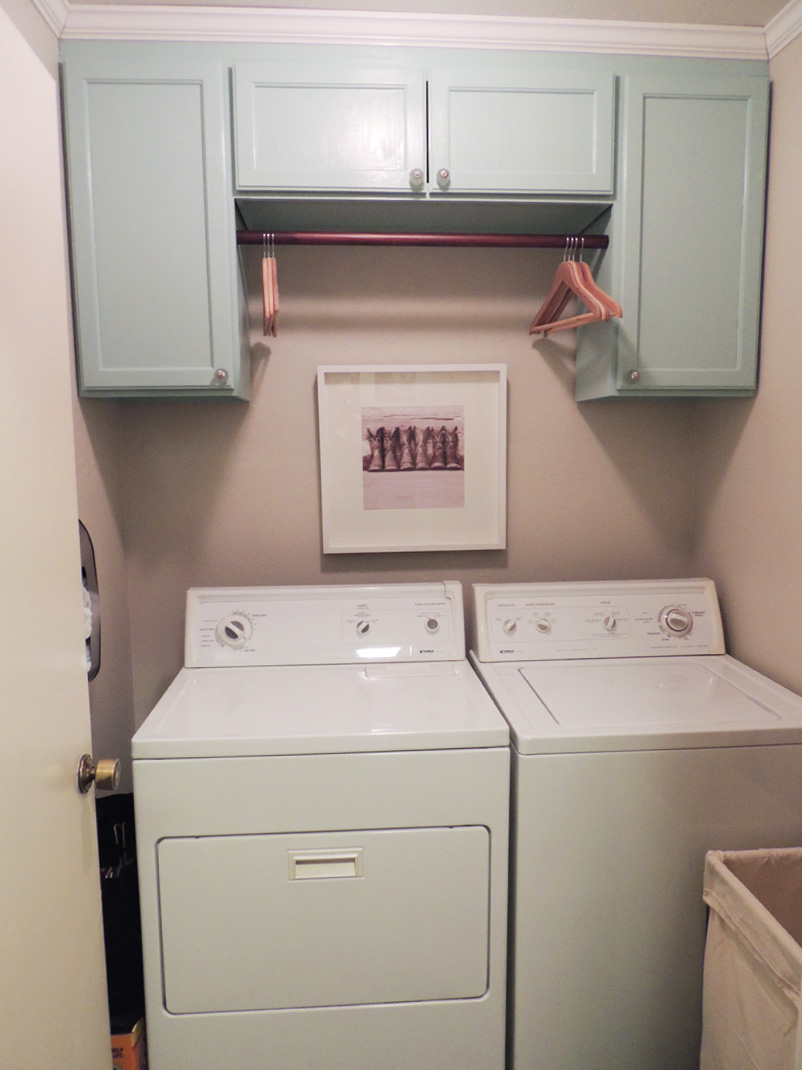 Hanging laundry room cabinets decor ideasdecor ideas for Laundry room cabinets ideas