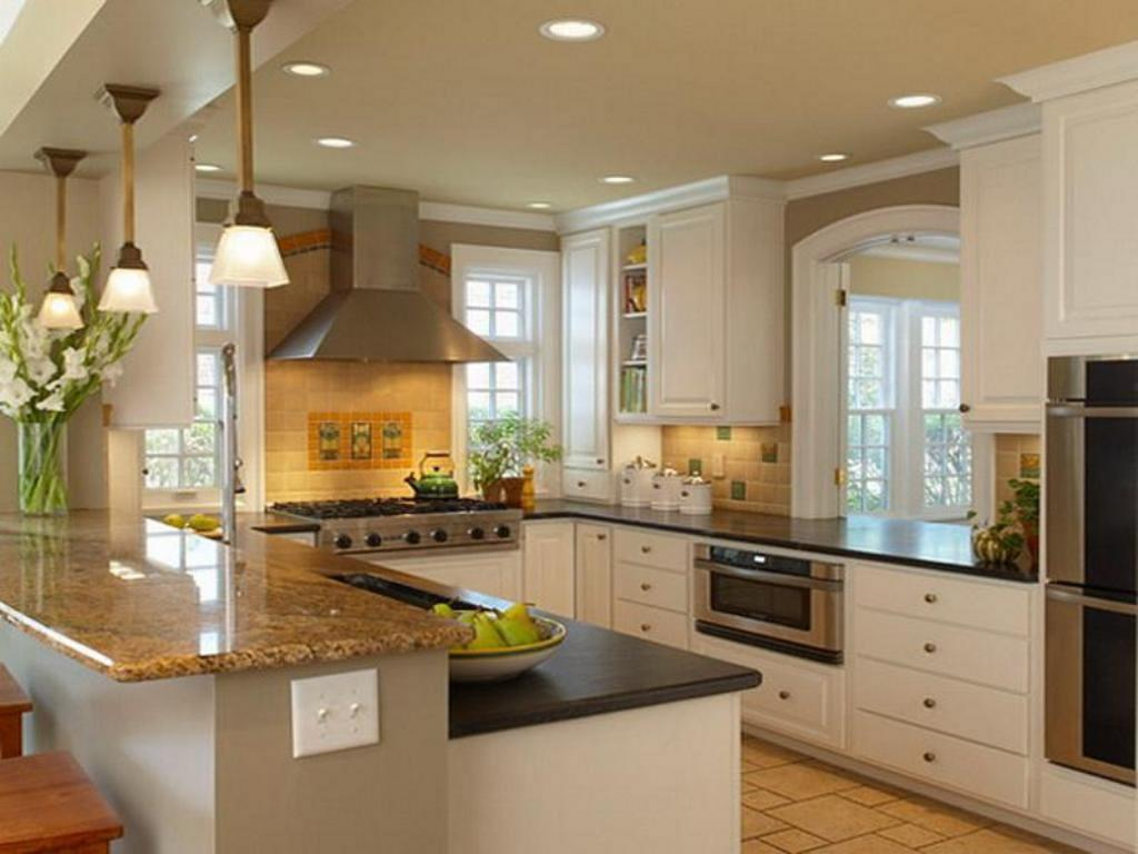 Kitchen remodel ideas for small kitchens decor for Small kitchen cabinets