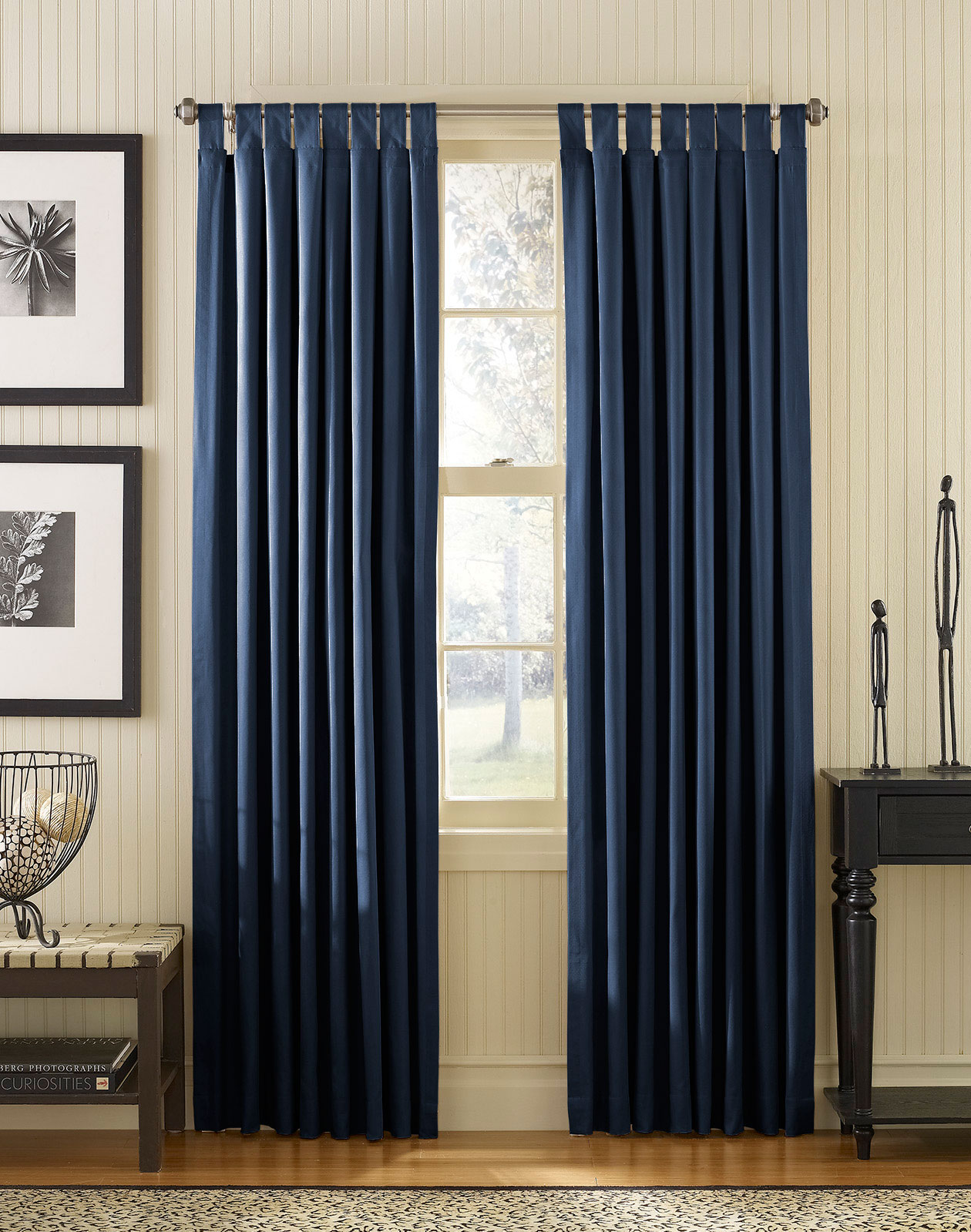 Navy blue bedroom curtains decor ideasdecor ideas for Curtains and drapes for bedroom ideas