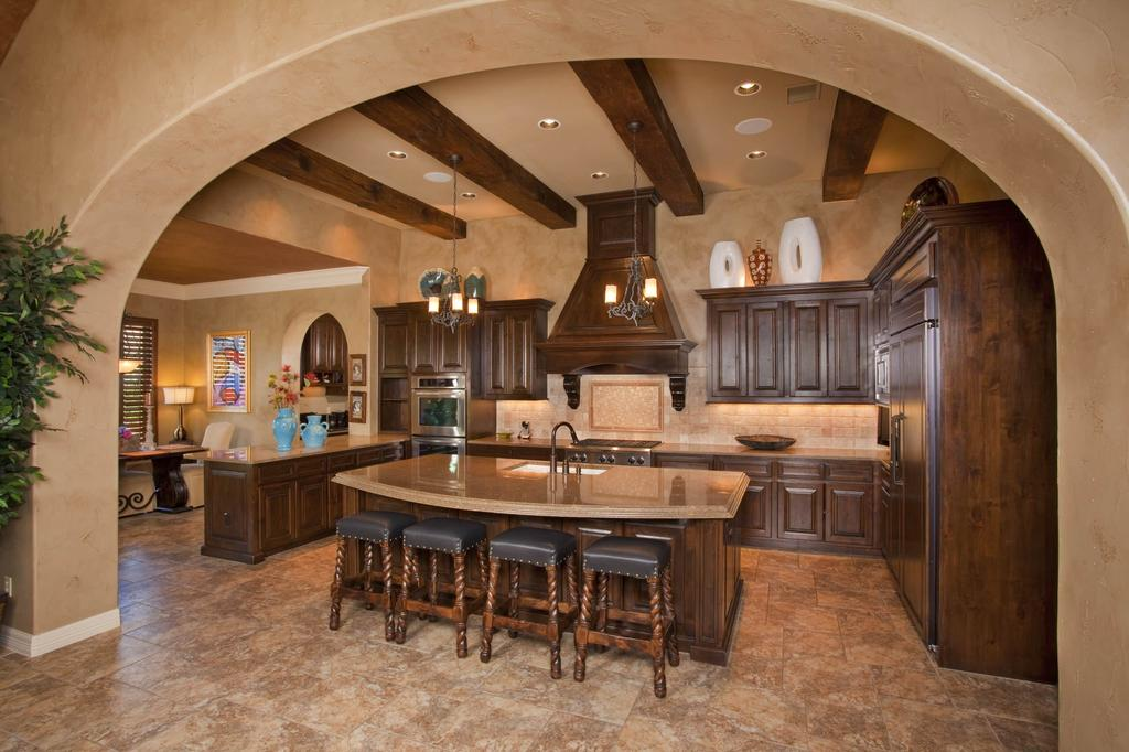 Tuscan kitchen paint colors decor ideasdecor ideas for Tuscan style kitchen lighting