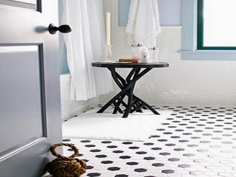 Black And White Bathroom Tiles In A Small Bathroom Decor