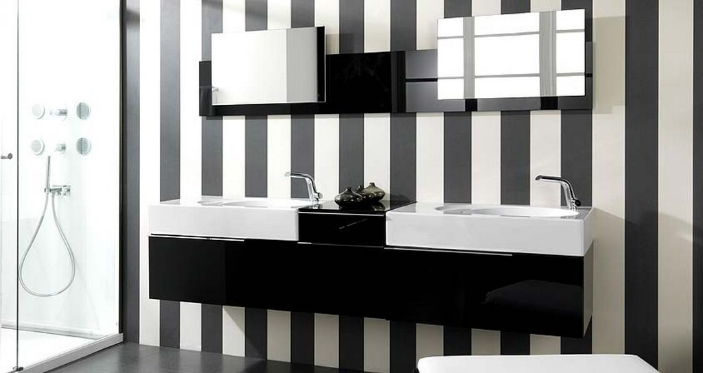 Black and white bathroom wall decor decor ideasdecor ideas for Black and white bathroom sets