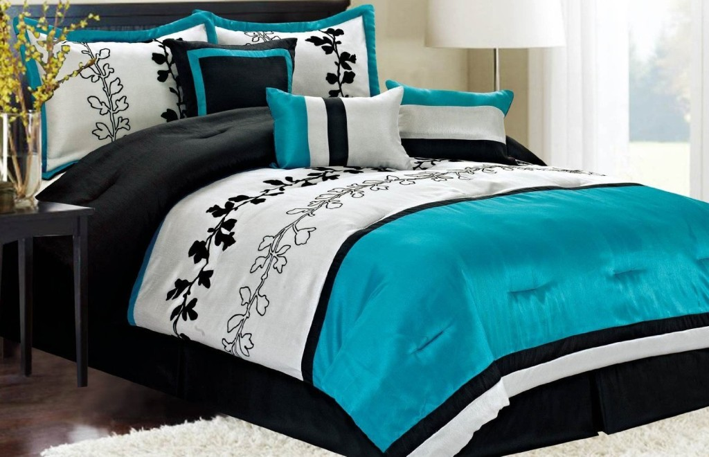 Light blue black and white bedroom ideas decor for Black white turquoise bedroom ideas