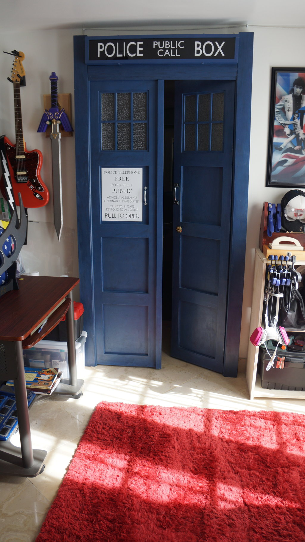 tardis bedroom door decor ideasdecor ideas. Black Bedroom Furniture Sets. Home Design Ideas