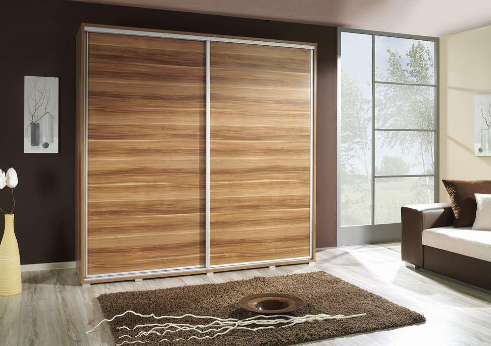 Wood sliding closet doors for bedrooms decor ideasdecor for Sliding cupboard doors