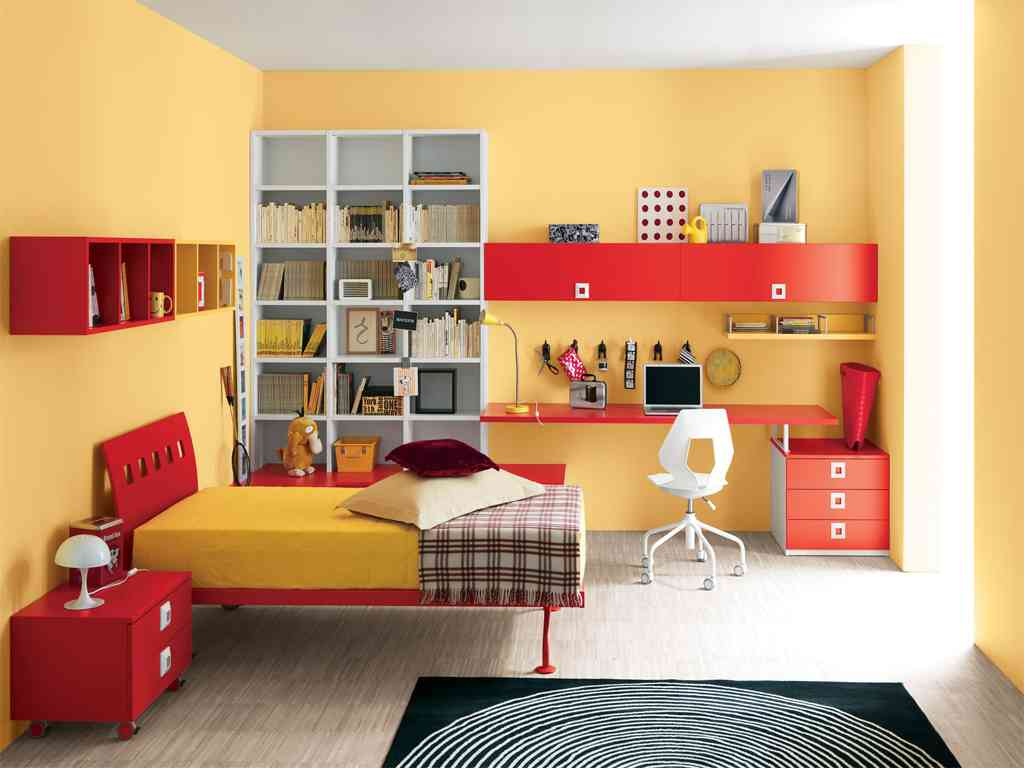 Red and yellow bedroom decor ideasdecor ideas for Bedroom ideas red