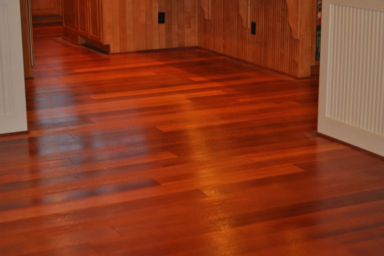 Cherry wood laminate flooring decor ideasdecor ideas for Cherry hardwood flooring