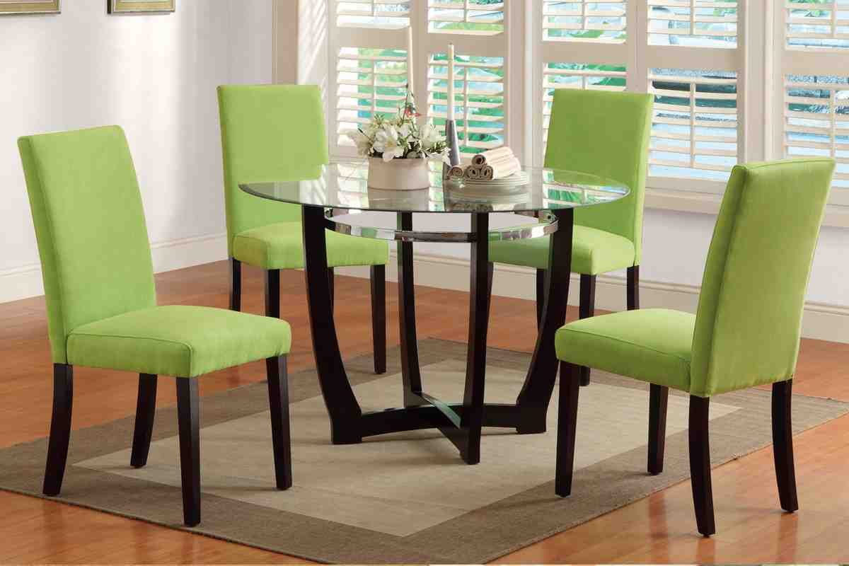 Green dining room chairs decor ideasdecor ideas for Green dining room