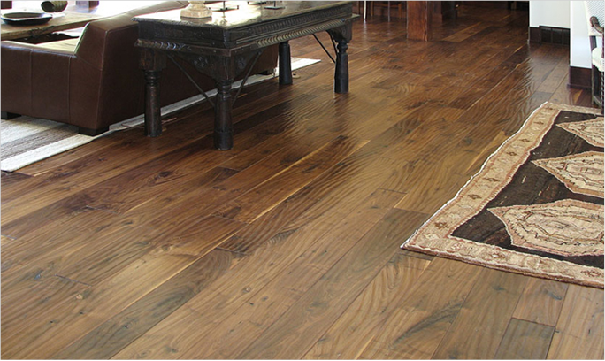 Hand scraped laminate wood flooring decor ideasdecor ideas for Hand scraped wood floors