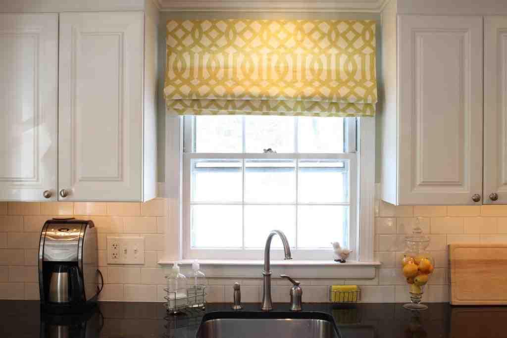Kitchen window coverings ideas decor ideasdecor ideas for Kitchen window decoration ideas