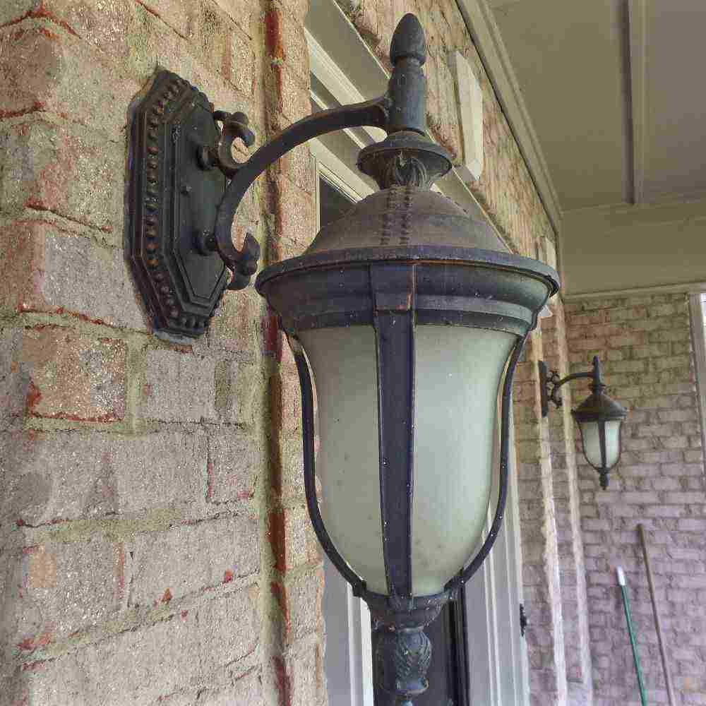 Painting Outdoor Light Fixtures
