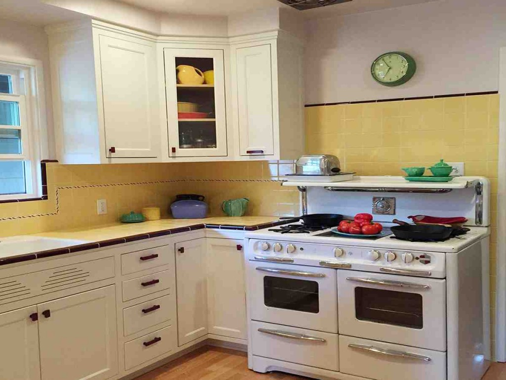 Custom Kitchen Cabinet Makers