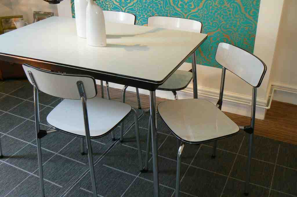 Formica Kitchen Table And Chairs Decor Ideasdecor Ideas