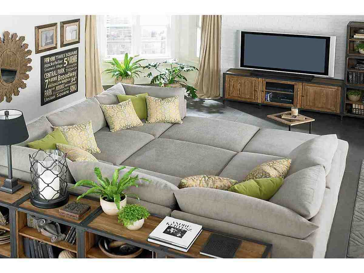 How to decorate a small living room on a budget decor for How decorate family room
