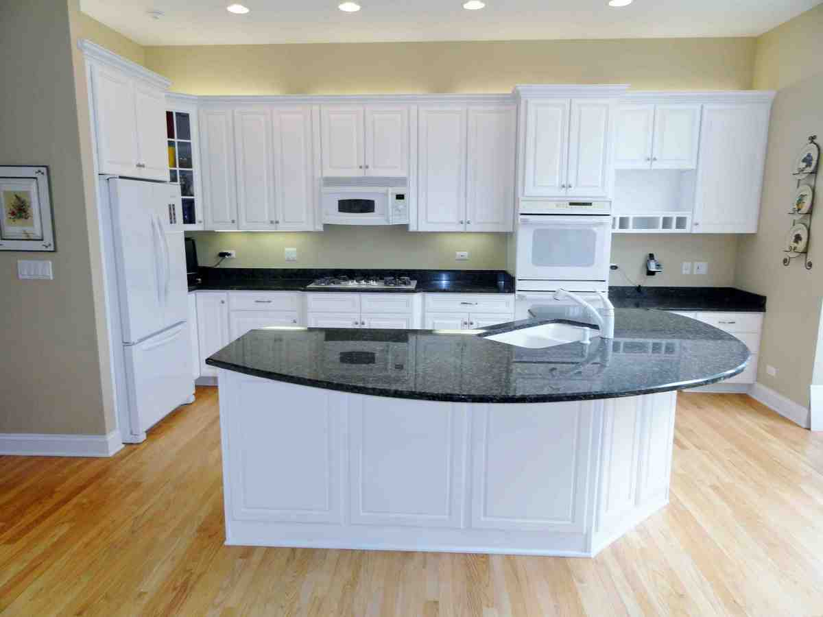 Refinish kitchen cabinets top diy cabinet doors refacing for Kitchen cabinet refacing