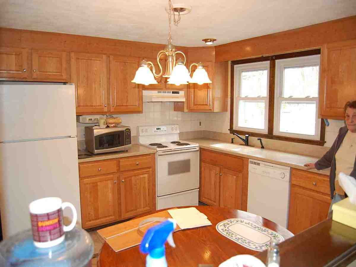 Companies that reface kitchen cabinets companies that for Kitchen cabinet companies