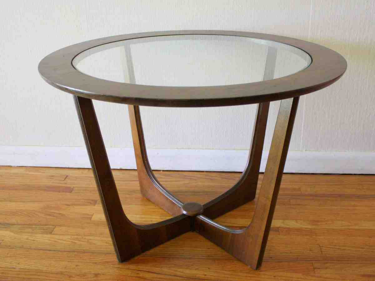 Round Wooden Side Table Decor Ideasdecor Ideas