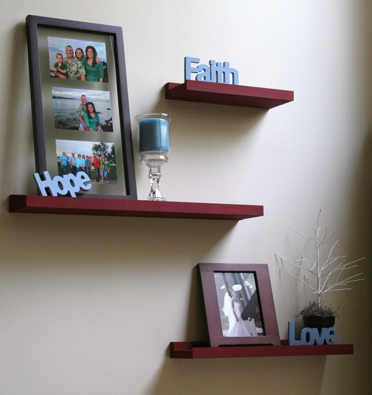 Decorative wood wall shelves decor ideasdecor ideas for Decoration shelf