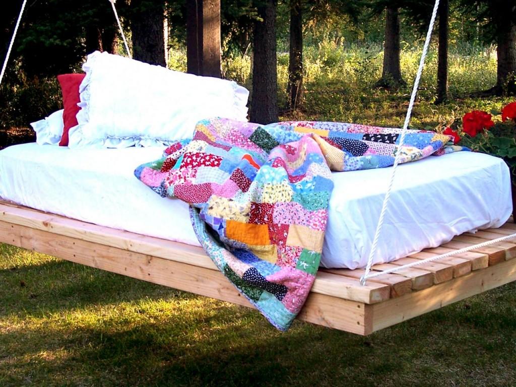Outdoor Hanging Bed Swing