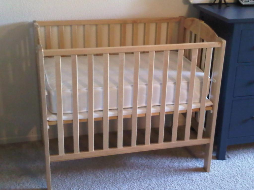 what is the size of a crib mattress decor ideasdecor ideas. Black Bedroom Furniture Sets. Home Design Ideas
