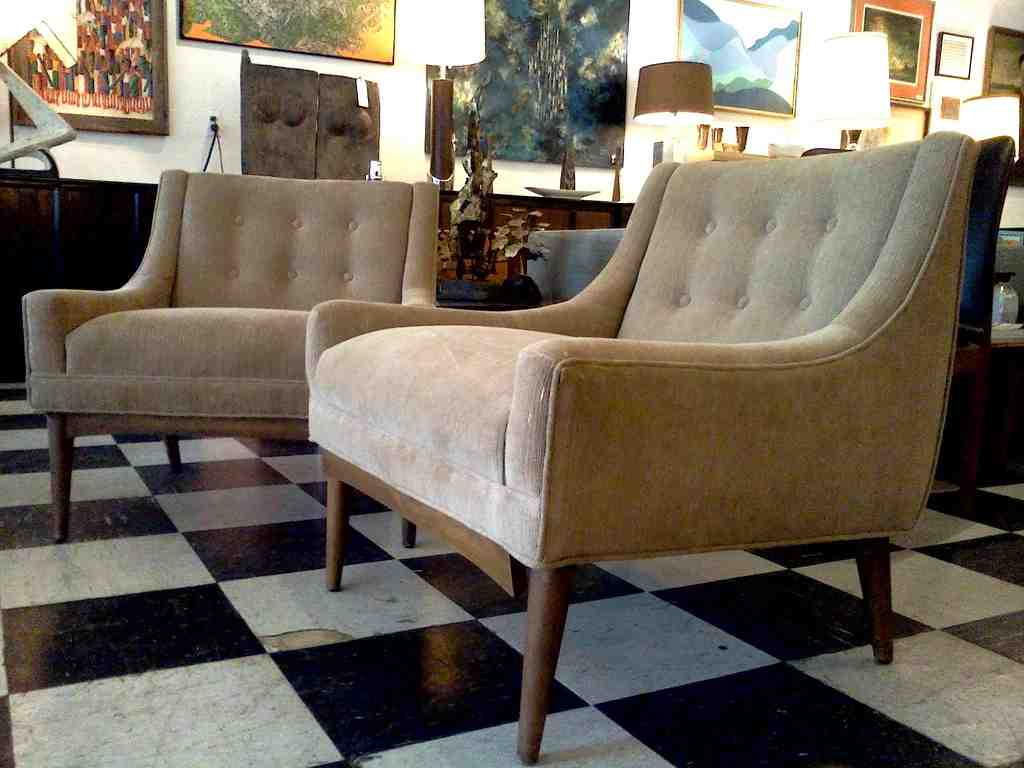 Mid century modern living room chairs for Modern living room bench