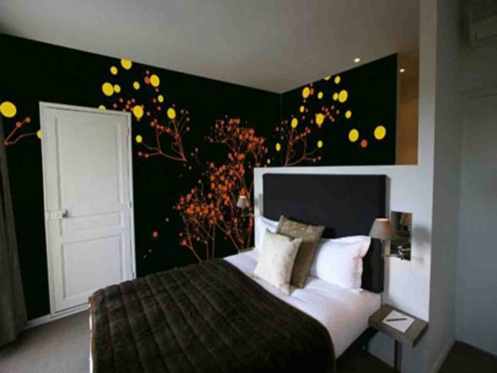 Wall Decor Ideas for Bedroom