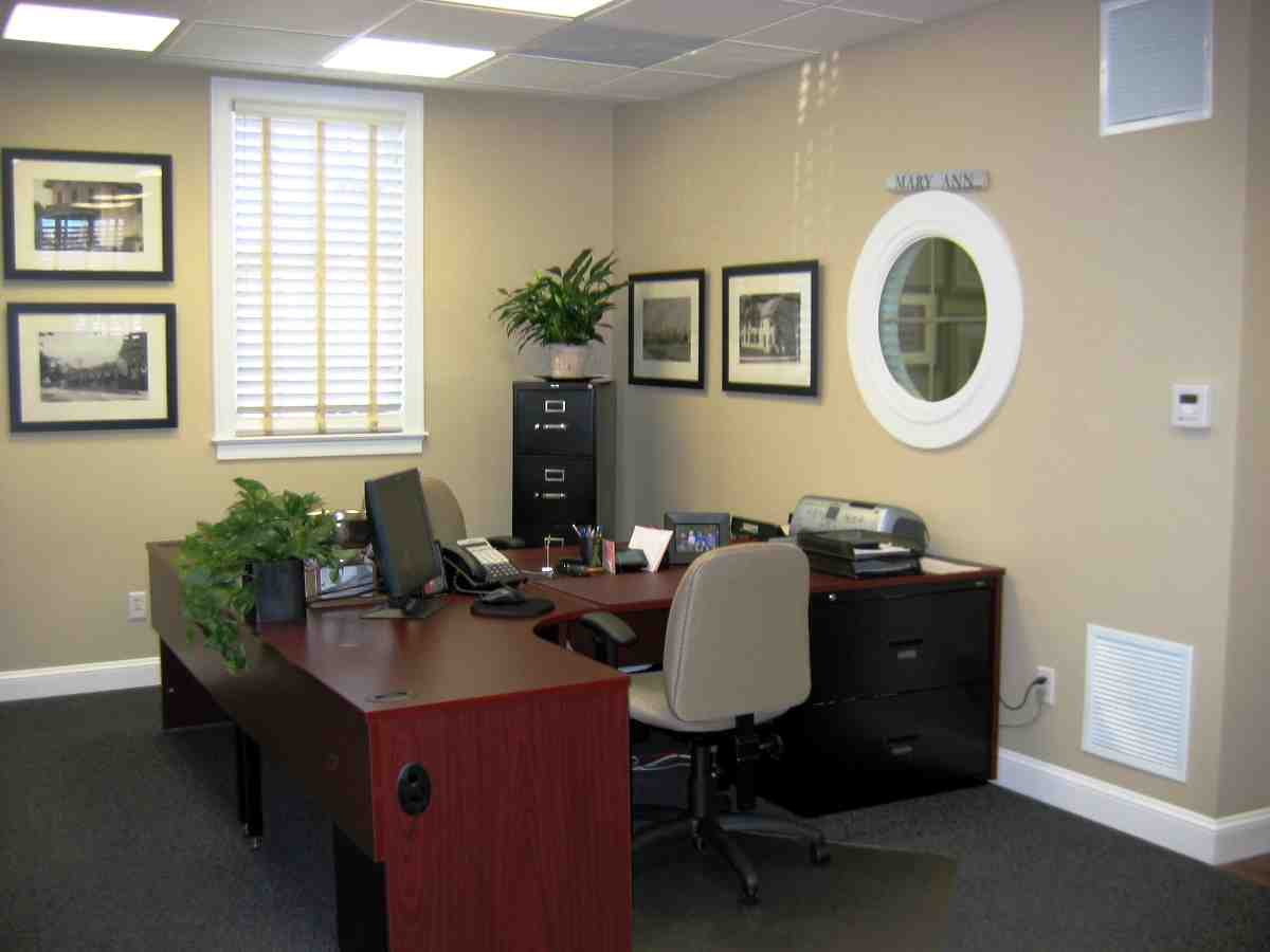 Decorate your office at work decor ideasdecor ideas for Small office design ideas