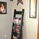 Black Blanket Ladder