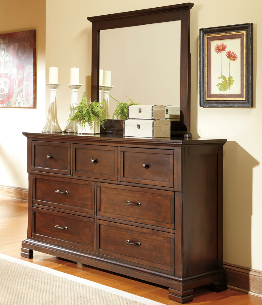 Bedroom dresser decorating ideas decor ideasdecor ideas for Dresser ideas for small bedroom