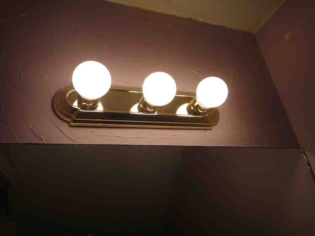 Outdoor Light Fixture With Outlet
