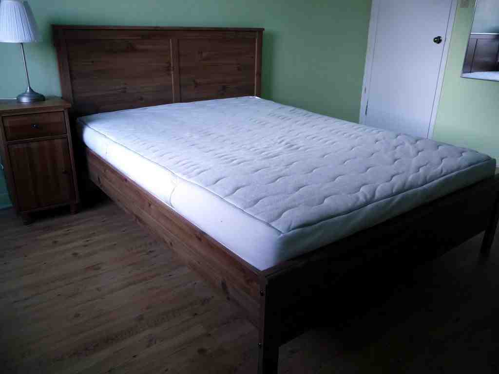 Queen Size Beds with Mattress