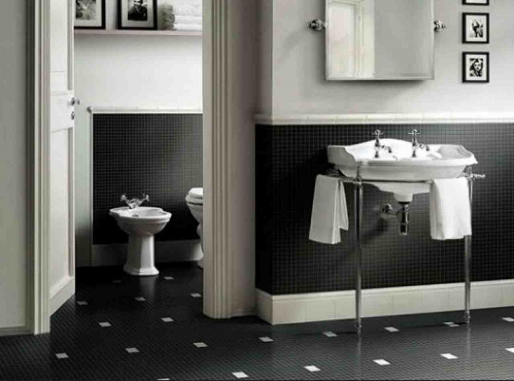 Black and White Bathroom Decorating Ideas