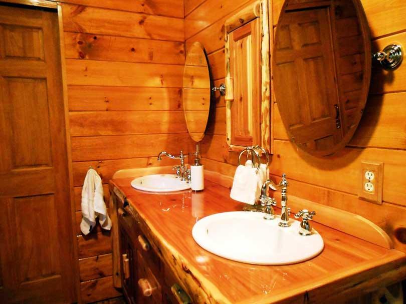 Cabin Bathroom Decor